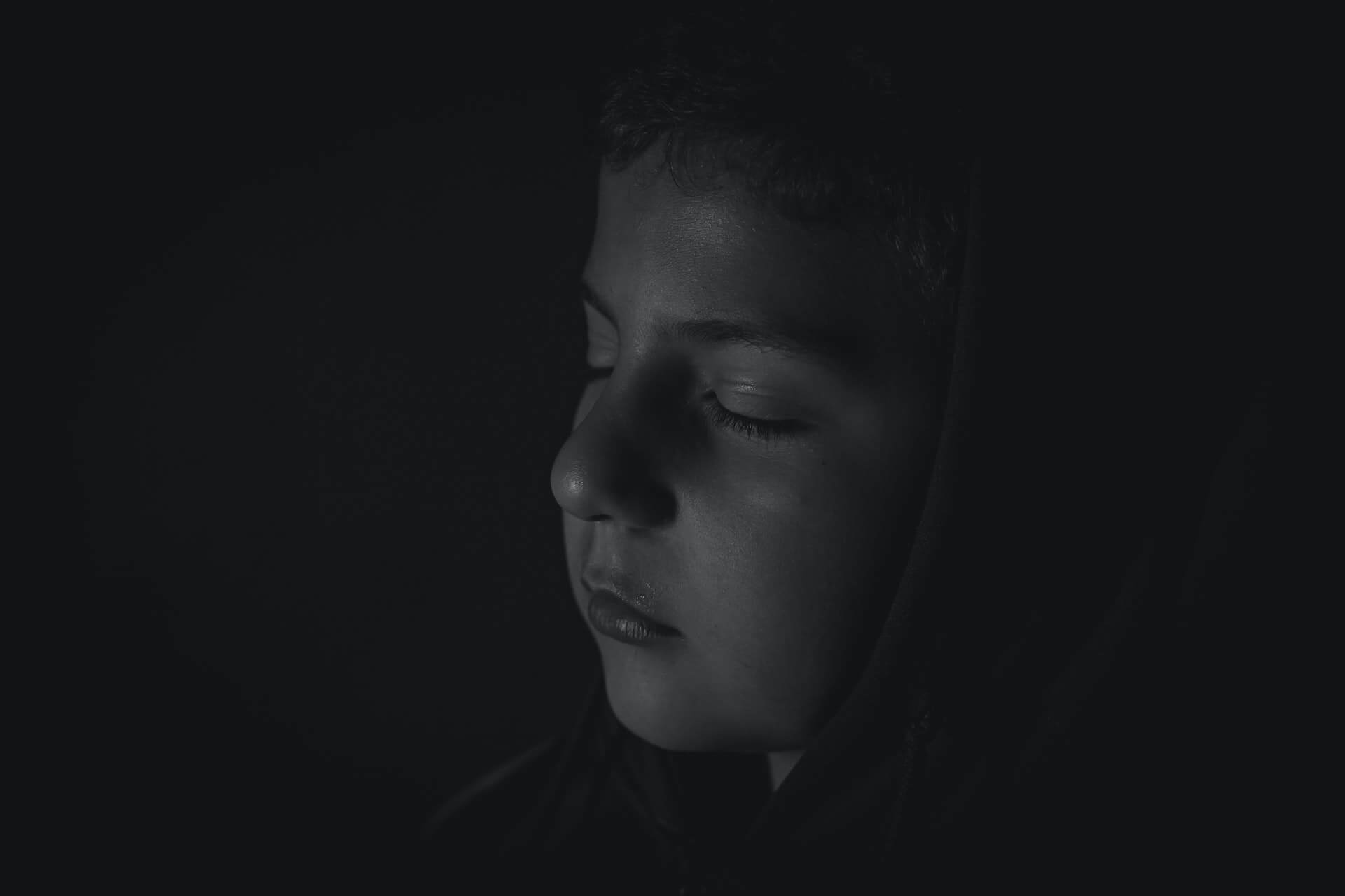 bebeklikten-yetiskinlige-depresyon